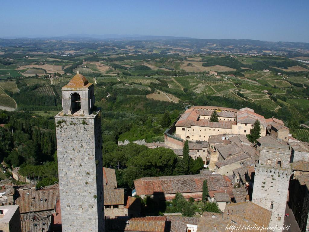 塔とサンジミニャーノ