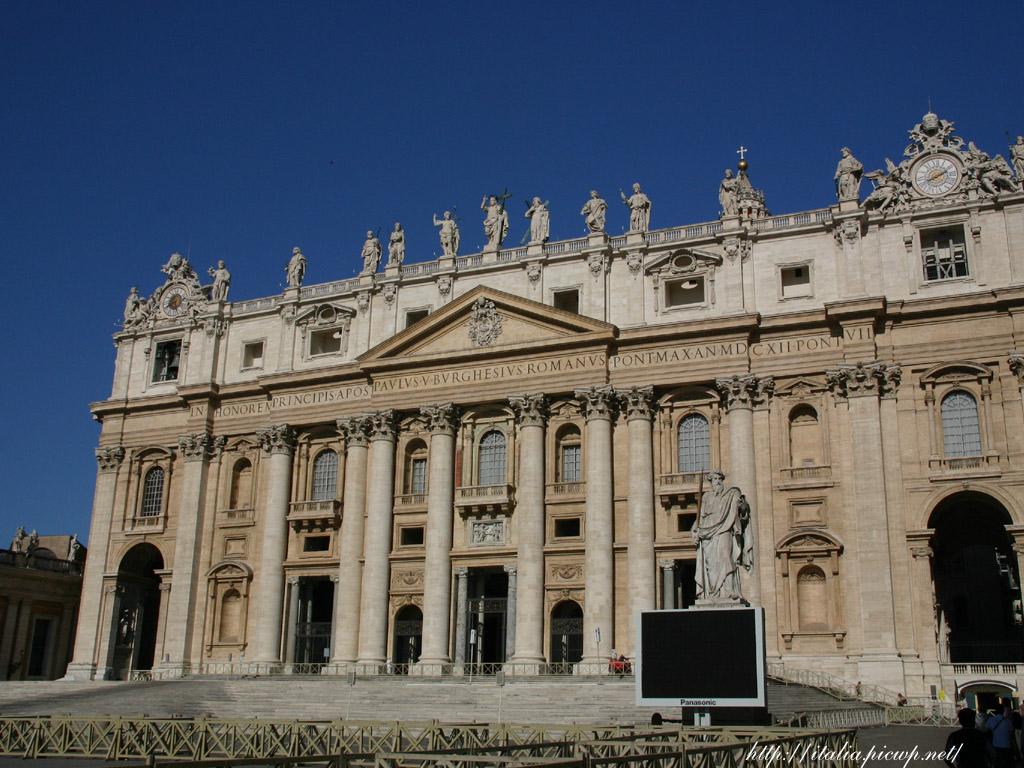 サンピエトロ大聖堂正面
