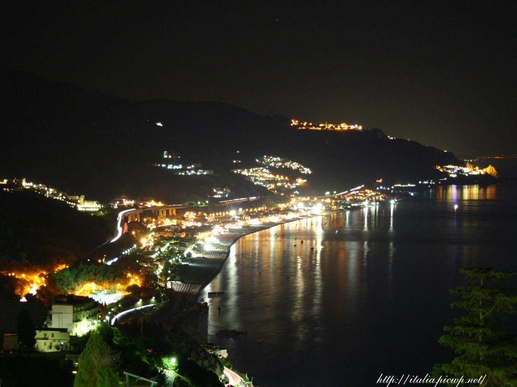 タオルミーナ海岸の夜景2